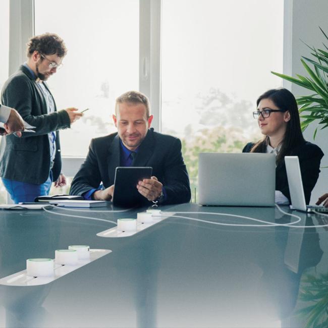 JOS Technology | Soluzione da incasso per sala riunioni